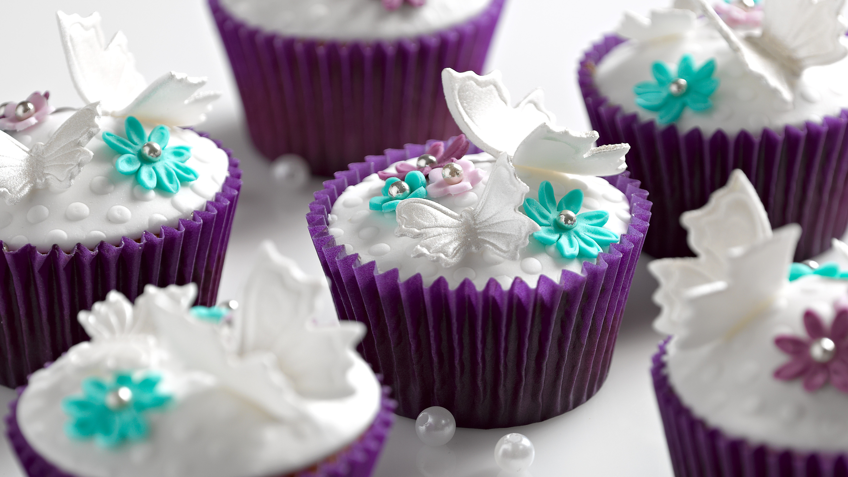 Shining White Butterfly Cupcakes