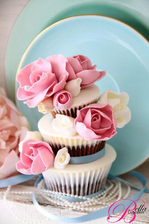 Tiered Roses Cupcakes