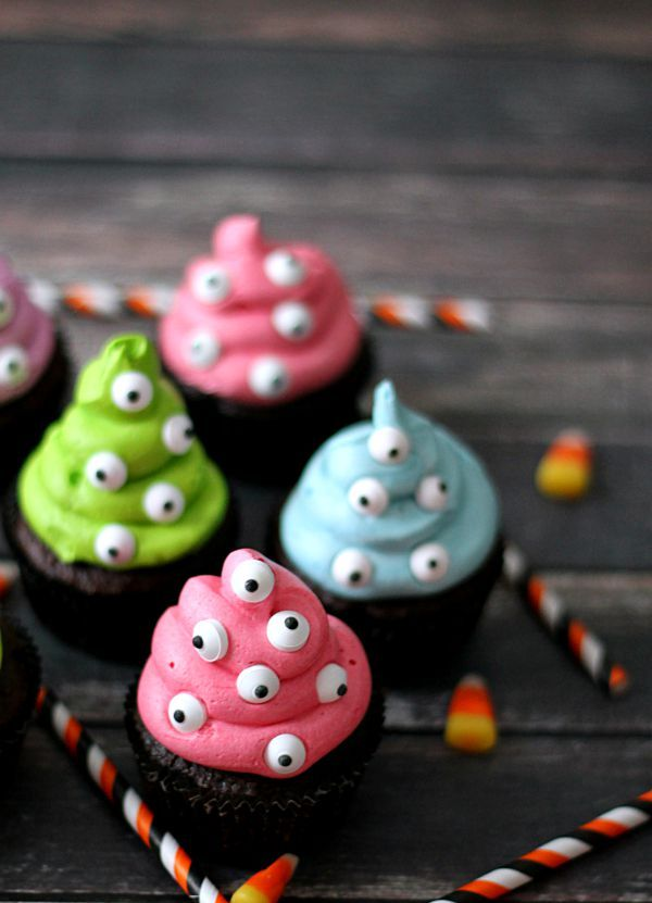 Spooky Eye Monster Cupcakes