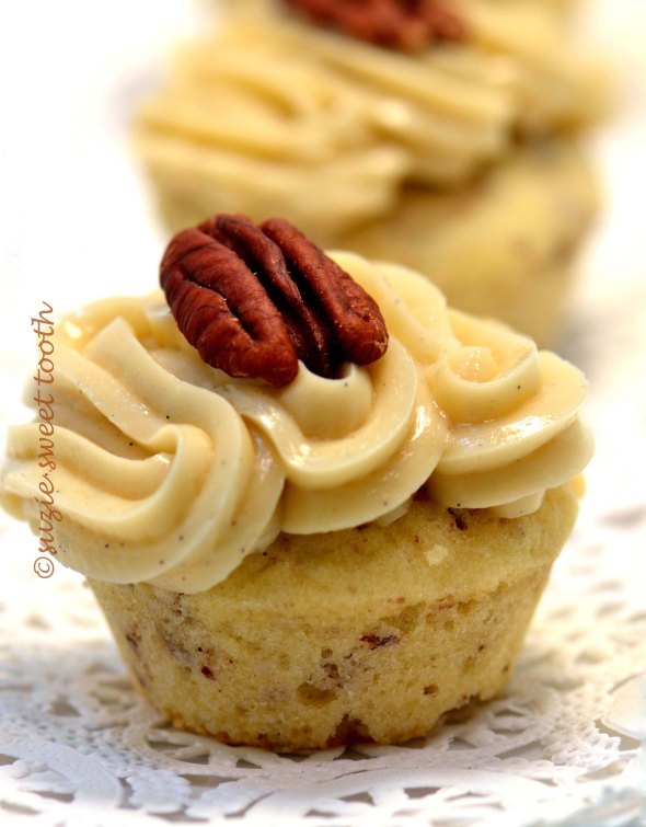 Banana Chocolate Cupcakes With Macadamia Nut Butter Frosting Recipe ...