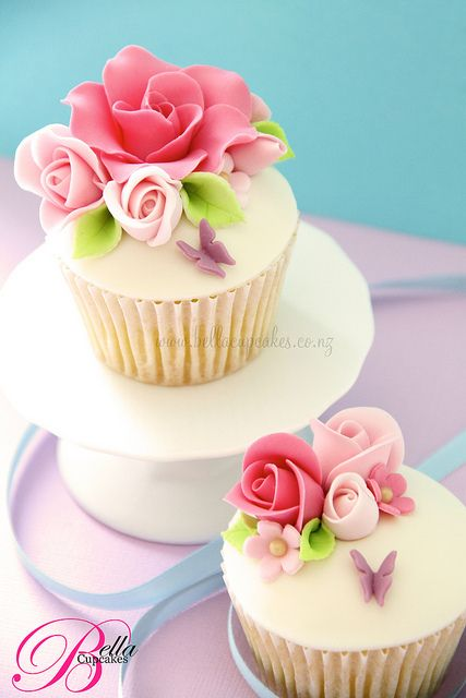 Enticing Pink Roses Cupcakes