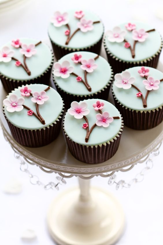 Gorgeous Cherry Blossom Cupcakes