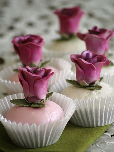 Lovely Pink Rose Cupcakes
