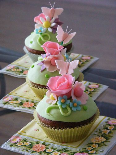 Roses And Butterflies Cupcakes