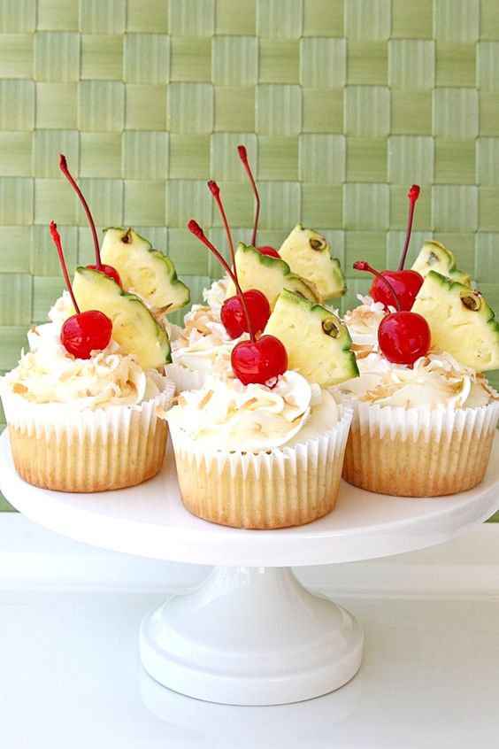 Summer Pineapple Cupcakes