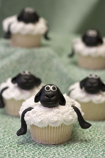 Frosted Sheep Cupcakes
