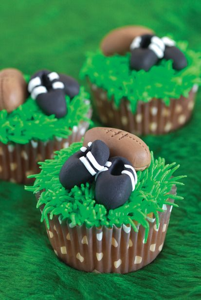 30 Enticing Sports Themed Cupcakes - Cupcakes Gallery