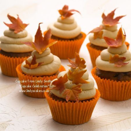 32 tasty fall cupcakes cupcakes gallery for Autumn cake decoration