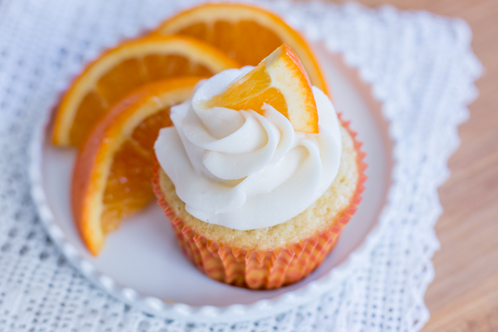 Fluffy Orange Creamsicle Cupcakes