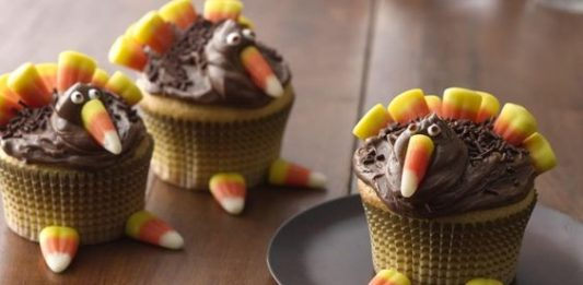 Gorgeous Turkey Themed Cupcakes