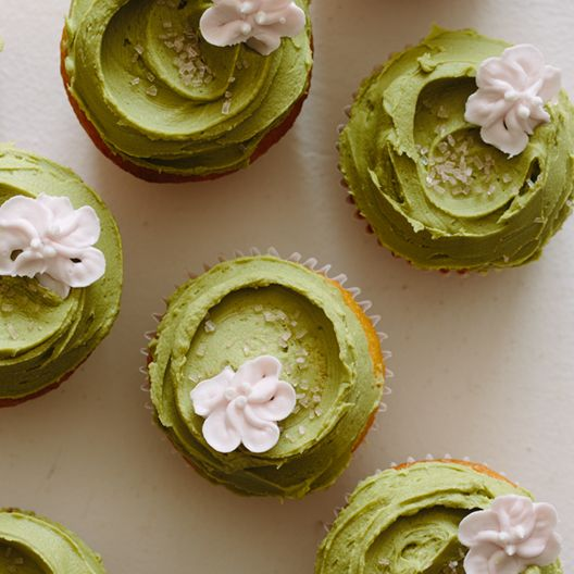 Vanilla-Orange Cupcakes with Matcha Buttercream