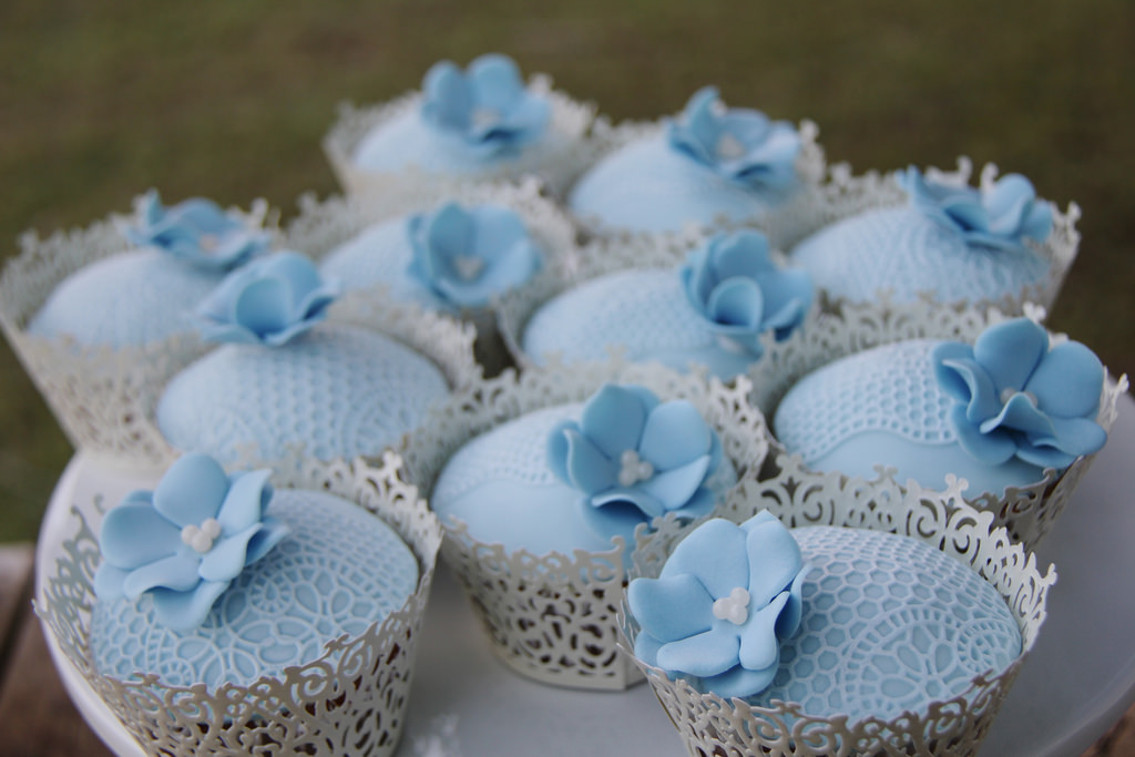 Classic Lace Cupcakes