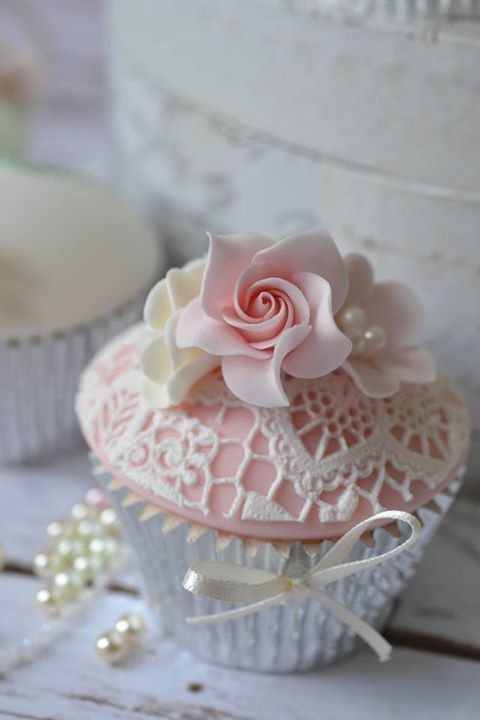 Delicate Floral Lace Cupcakes