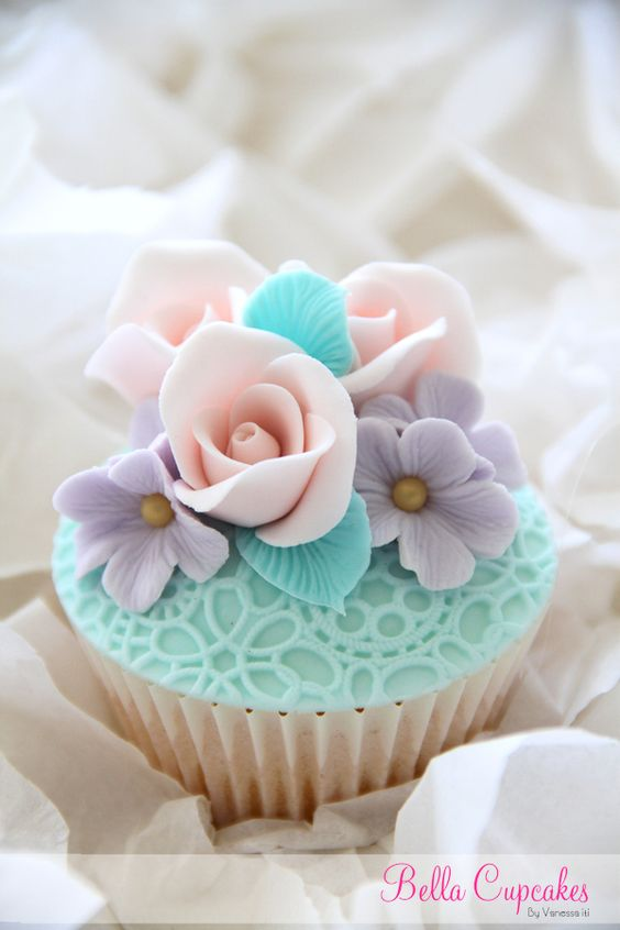 Turquoise Lace Cupcake
