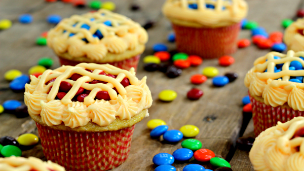 30 Yummy Skittles And MM Cupcakes Cupcakes Gallery