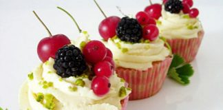 Juicy Fruit Cupcakes