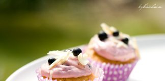 Decadent Blackcurrant Cupcakes