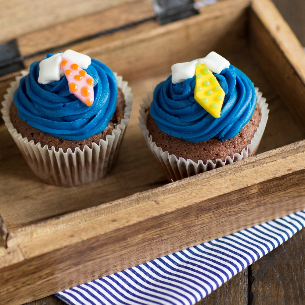35 Sweet Father's Day Cupcake Ideas