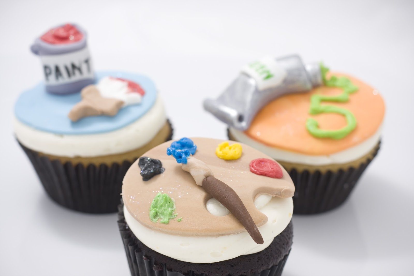 11Art Paint Themed Cupcakes