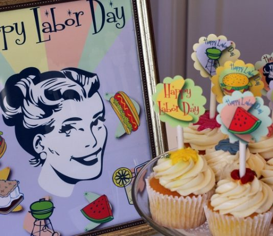 Pop Art Labor Day Cupcakes