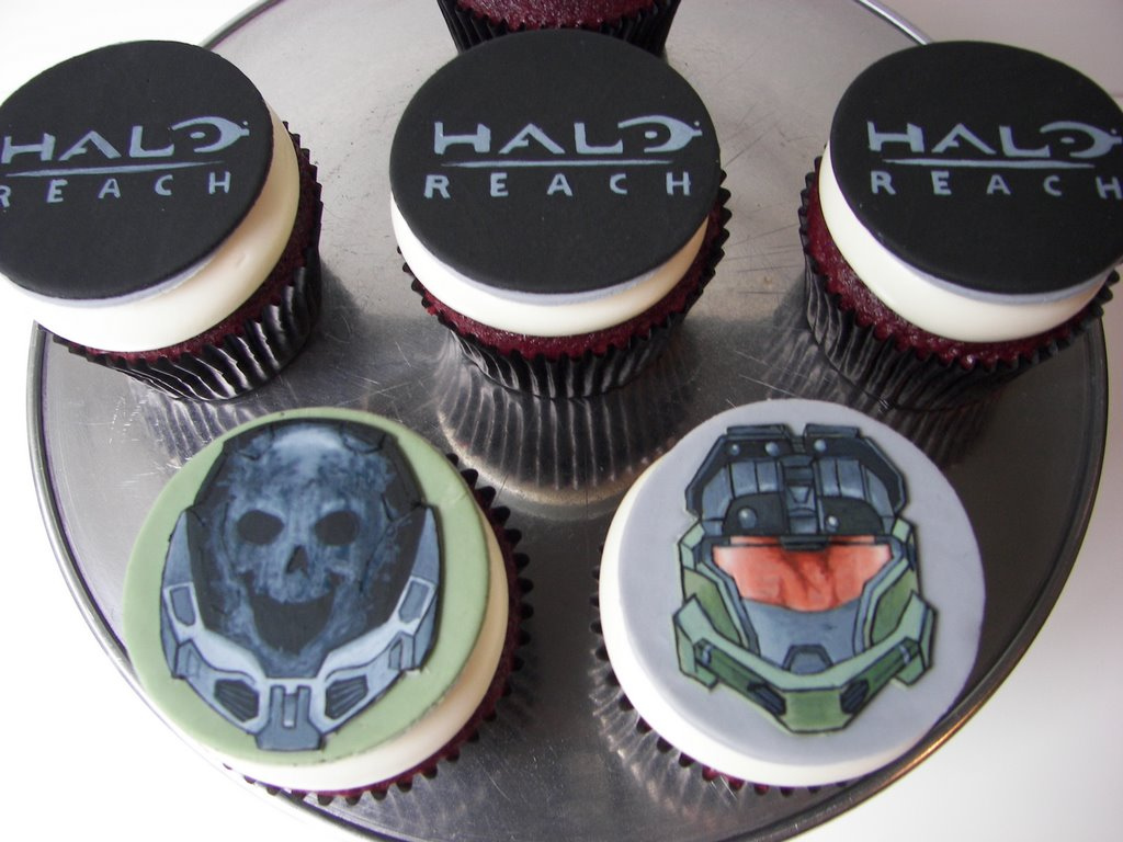 11Great Halo Game Cupcakes
