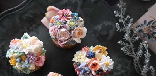 Buttercream Floral Cupcakes