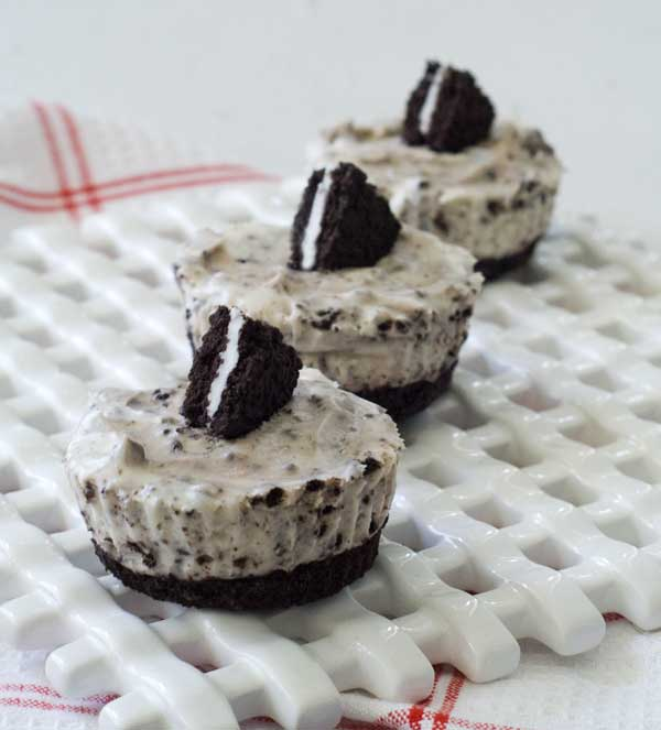 Gluten Free Cookies & Creme Cheesecake Cupcakes