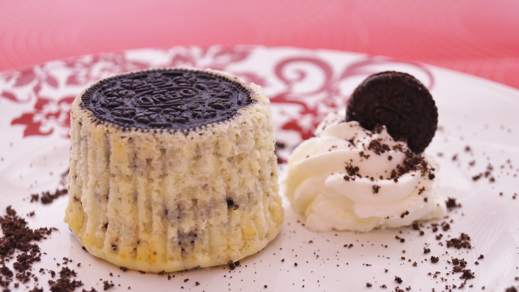 Mini Oreo Cheesecake Cupcake
