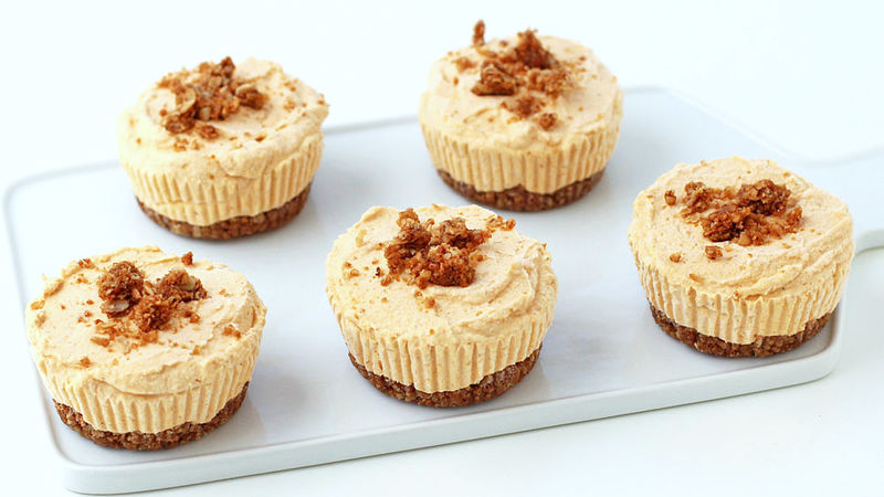 Pumpkin Cheesecakes Cupcakes with Granola Bar Crusts